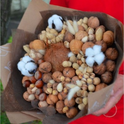 NUT BOUQUET 30